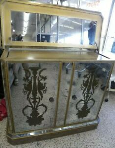 EXCEPTIONAL HOLLYWOOD REGENCY 1950's MIRRORED & PAINTED BAR CABINET