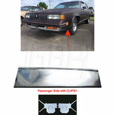 81-88 Cutlass Lower Fender Chrome Molding Trim (FRONT of Tire) RIGHT with CLIPS