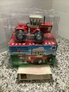 1/32  INTERNATIONAL  4366  TOY  FARMER  2006  4WD TRACTOR, STOCK # 16152A