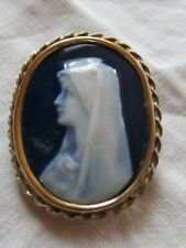 Broche ancienne Vierge Marie en Porcelaine Limoges signé Gauduffe  Camée