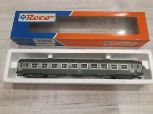 ROCO -SNCF - VOITURE  UIC 2e CLASSE  B10   - Ech HO - Ref: 44605 - Ep IV -
