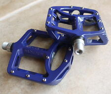 WELLGO MG1 MG-1 MAGNESIUM PEDALS 378g MTB BMX DH NEW IN RETAIL BOX BLUE