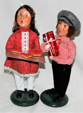 Byers Choice Valentine Boy & Girl with a Gift & Cookies New 2021 Free Shipping