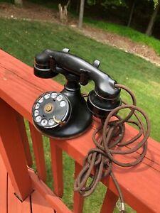 VINTAGE WESTERN ELECTRIC MODEL B1 TELEPHONE
