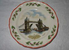 "Wedgwood Queen's Ware Christmas Plate 1986 Tower Bridge London Alan Price 8 1/4"""