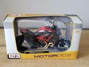 🆕️ Maisto Motorcycles Ducati Diavel Carbon, 1/12 Die Cast Metal