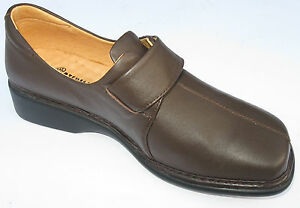 STEGMANN ,  girls  size 5  leather brown and dark red casual school shoes.