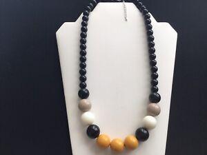 Damen Grob Schwarz, Senf, hellbraun und weiß Perlen Halskette