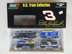 Dale Earnhardt Sr. #3 Goodwrench 1996 Revell 1:64 Scale H.O. Diecast Train Set