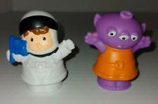 2010 Fisher Price Little People Alien Astronaut Space Exploration Set Of 2