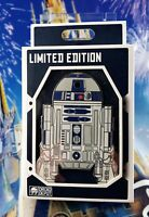 Walt Disney Star Wars Galaxy's Edge R2-D2 Jumbo Pin LE 500