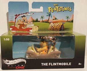 THE FLINTSTONES : FLINSTONES FLINTMOBILE WITHFRED & BARNEY 1/50 HOTWHEELS MODEL