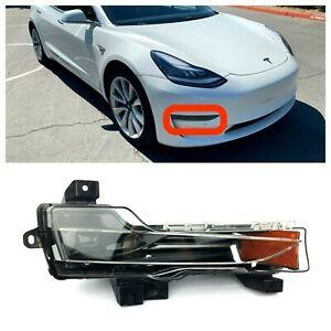 Fits 2017-2020 Tesla Model 3 Front Passenger RH Turn Light Fog Lamp Base New
