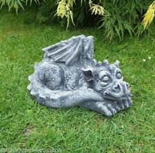 Handgearbeitete Gartenfiguren & -skulpturen mit Drachen Große