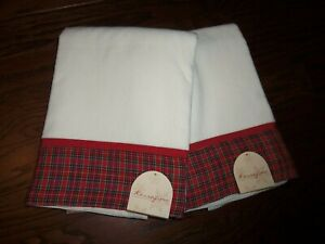 NWT KASSAFINA XMAS HOME COLLECTION SET OF 2 WHITE/RED PLAID BORDER BATH TOWELS