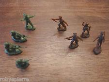 8 mini soldatini vintage in plastica toy soldiers plastic altezza 2,5 cm 4 + 4