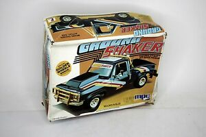 MPC Ground Shaker Chevy 4x4 Off Road Pickup Model Kit 1:25 Scale Open Started