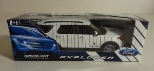 NY YANKEES ~FORD EXPLORER~ LIMITED EDITION DIE-CAST 1:64 GREENLIGHT CAR SGA 2011