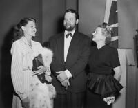 Rita Hayworth With Orson Welles And Ann Sothern Elegant And Glamorous 8x10 Pictu