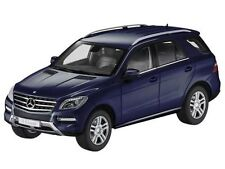 MINICHAMPS MERCEDES 2012 ML 550 BLUE DEALER 1:18 (NEW STOCK)