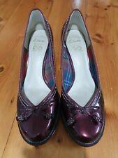 Clarks women's size 40 burgundy patent pump shoes