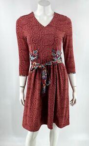 Matilda Jane Dress Size XS Red Blue Paisley V NeckTie Waist Stretch Knit Womens
