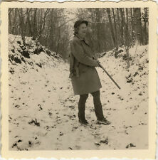 PHOTO ANCIENNE - VINTAGE SNAPSHOT - FEMME CHASSEUR CHASSE ARME - HUNTER HUNTING