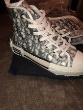 Dior B23 High Top Sneaker-Noir et blanc DIOR oblique en toile porté une fois
