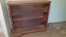 Verkaufe Holzschrank / Vitrine gebraucht mit 2 Front Glasscheiben, ca. 40 Jahre