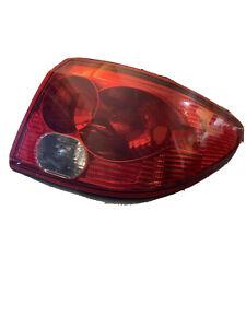 2003-2005 SATURN L200 L300 SEDAN 4 DOOR OEM Right PASSENGER TAIL LIGHT FACTORY