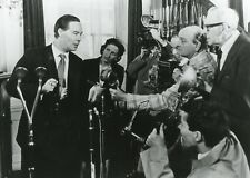 """ANTHONY BATE """"PHILBY, BURGESS AND MACLEAN"""" GORDON FLEMYNG PHOTO DE PRESSE TV CM"""