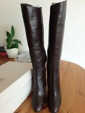 Burberry high heels boots brand new size 5
