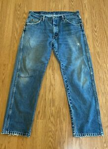 Wrangler Relaxed Boot 36x30 Blue Jeans Stretch Denim Distressed Work Casual