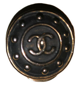 (1) Authentic Vintage CHANEL CC Gold /Black Earring Clip On (1) One Only