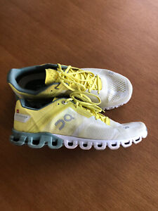 Men's Size 7 On Running Cloudflow Sneaker