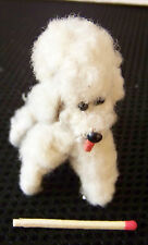 Spielzeug Tier Alter kleiner Hund Pudel mit Glasaugen