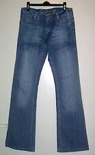 Mittelblaue Jeans mit Aufhellungen und bestickten Gesäßtaschen Gr. 34