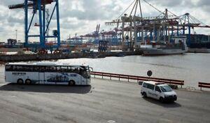 Hamburger Hafen hautnah - Gigantentour über die Terminals versüßt mit Hafenhonig