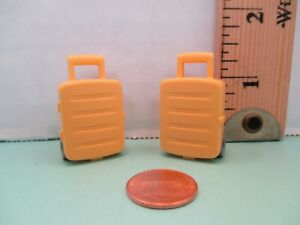 Playmobil accessories SET OF 2 IDENTICAL YELLOW SUITCASES ON WHEELS can open up