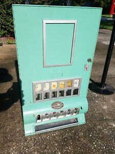 Vintage Uneeda Vending Cigarette Machine Candy Coin Operated  Table Top