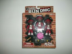 Mezco MEZ-ITZ Set of 3 Figurines RUN DMC Microphones & Turntable NEW in PACKAGE