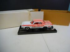 Highway 61 1964 Dodge 330 Super Stock 1/18 Diecast