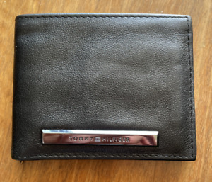 Tommy Hilfiger Men's Slim Bifold Leather Wallet - Black - New with Tag