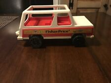 Vintage 1979 Fisher Price Little People Play Family Station Wagon Jeep #992