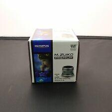 Olympus M.Zuiko Digital 45mm f/1.8 ED Lens (Silver) Argent V311030SU000