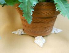 "POT FEET Ceramic Flower Planter Risers ""Fleur de Lis"" Sand White / Beige set 4"