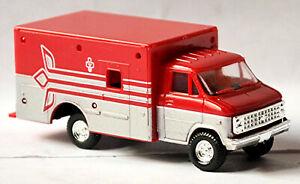 Chevrolet Chevy ALS Ambulance Medical Service 1:87 Trident 90150