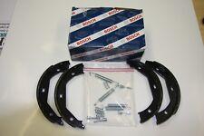 Bosch Handbrake Shoes with Installation Kit Hyundai and Kia Magentis Set