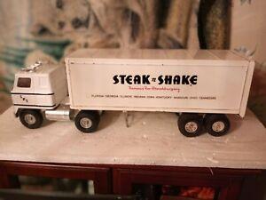 Ertle truck steak n' shake burger truck