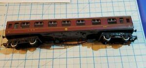 Hornby OO LMS 1/3 corridor coach